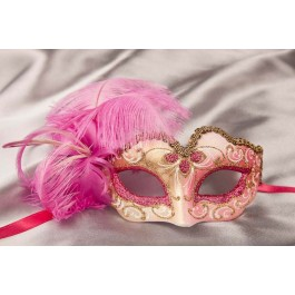 Small feathered masquerade mask - Baby Armony Gold in Cerise Pink