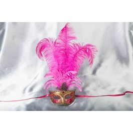 Struzzo Lux Tall centre feathered masquerade mask in gold and cerise pink