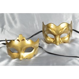 Budget masquerade masks in gold -Joker and Giglio