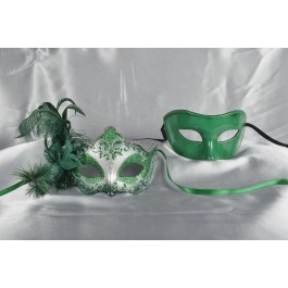 Green feathered masks for couple