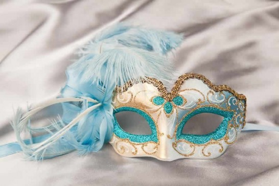 Small feathered masquerade mask - Baby Armony Gold in Turquoise
