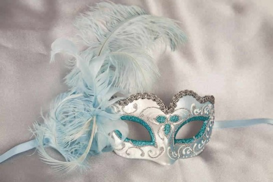 Turquoise baby piuma small masquerade mask with feathers