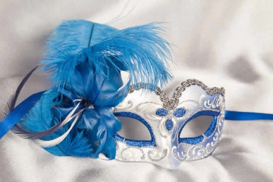 Blue baby piuma small masquerade mask with feathers