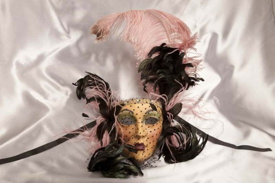 Decorative wall mask in pink and black