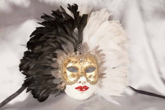 Volto Piuma Piena - Two Colour Feathers on Gold Masked Face Wall Mask
