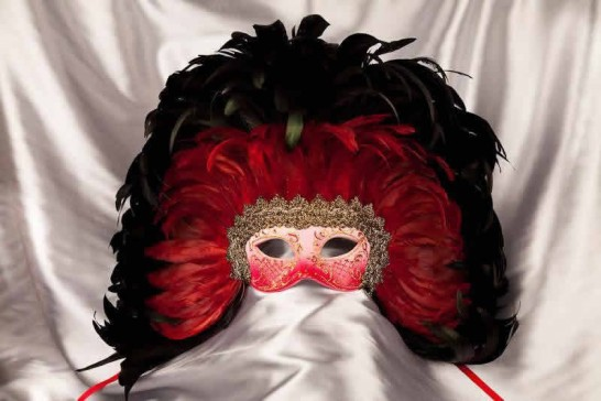 Moulin Rouge feather Mardi Gras mask in Red and Gold