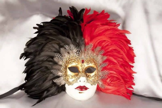 Red Volto Piuma Piena - Two Colour Feathers on Gold Masked Face