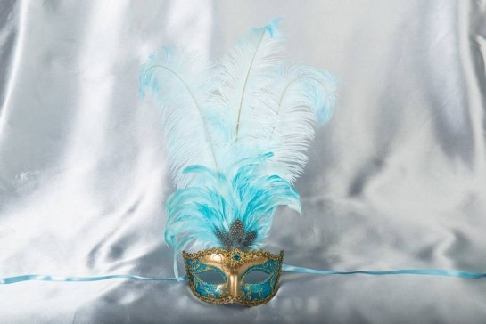 Struzzo Lux Tall centre feathered masquerade mask in gold and aqua