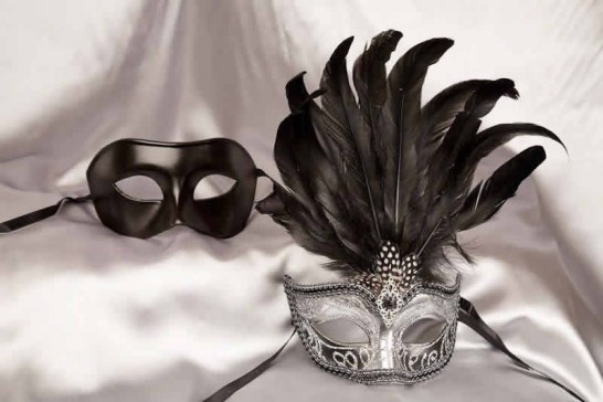 Ciuffo Silver - Black His and Hers Masquerade Masks