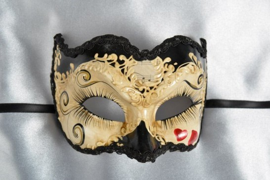 Masquerade Joker Mask with hearts in Black
