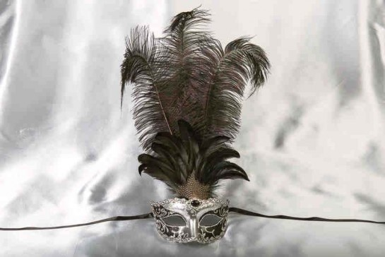 Struzzo Lux Tall centre feathered masquerade mask in silver and black