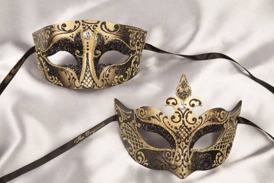 Black gold Tomboy Farfallina - Pair of matching Venetian masks