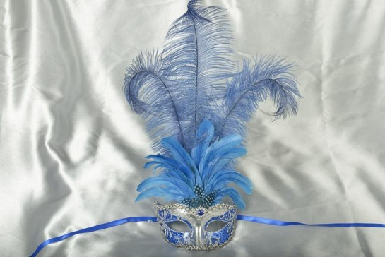 Struzzo Lux Tall centre feathered masquerade mask in silver and blue