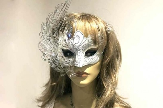 Cigno Lux Swan Mask on female face