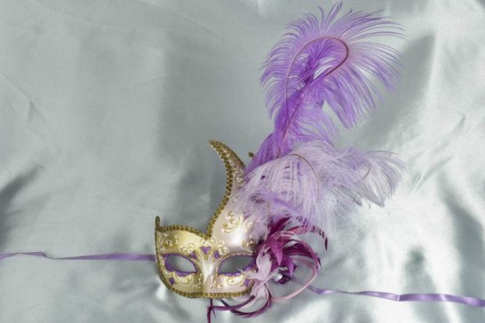 Purple Cigno Duo Gold - Two Colour Feathered Swan Shaped Masks