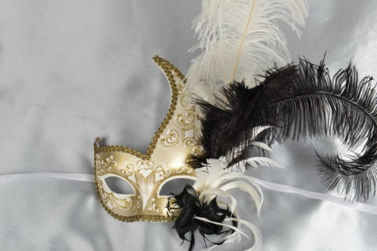 White Cigno Duo Gold - Two Colour Feathered Swan Shaped Masks