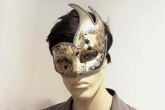 Cigno Mosaic Swan masquerade mask in silver on male face