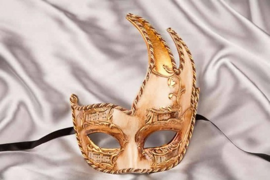 Cigno Melody - Cream and Gold Swan Masks with Music Notes