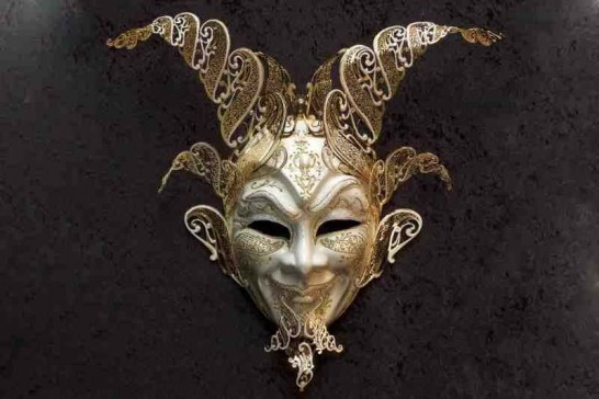 White and Gold decorative wall mask - grand entrance Diavolo