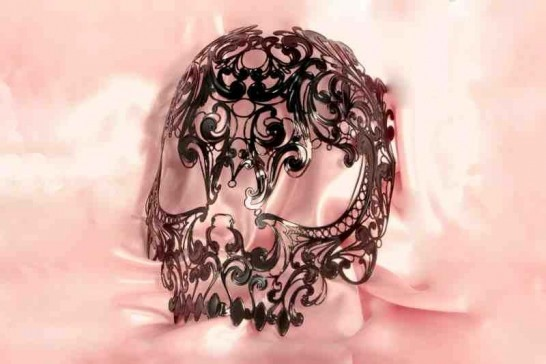 Teschietto Fili - Black Filigree Metal Skull Mask for Halloween