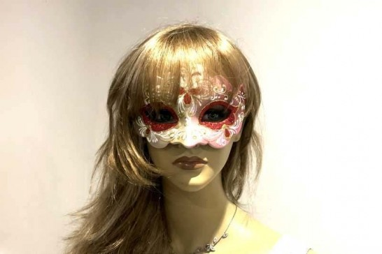 Giglio Fiore Gold masquerade mask on female face