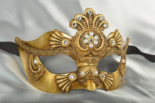 Luxury Venetian ball mask for women in gold