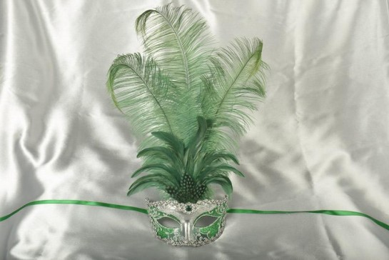 Struzzo Lux Tall centre feathered masquerade mask in silver and green