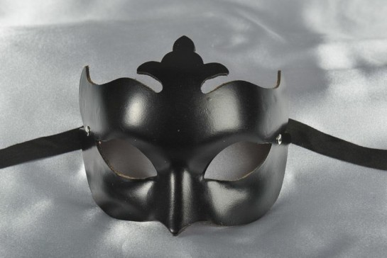 Black leather mask with Club centre point