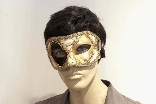 Colombina Losanga masquerade mask on male face