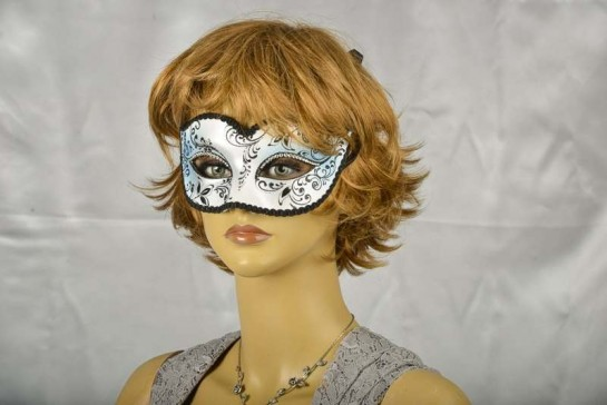 Sweetheart masquerade mask on female face