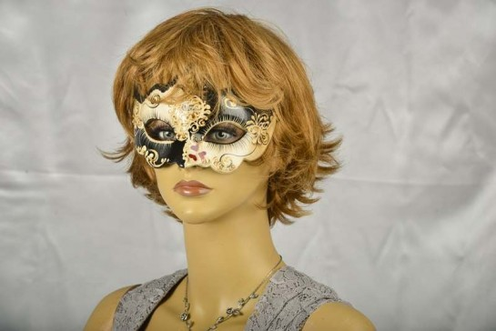 masquerade ball mask Giglio Love Me with Hearts mask on female model