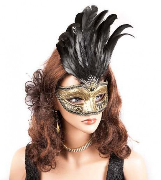 Ciuffo Gold mask on model
