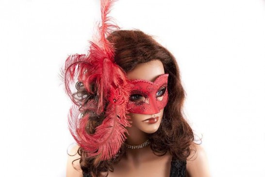 Sweetheart side feather masquerade ball mask on model