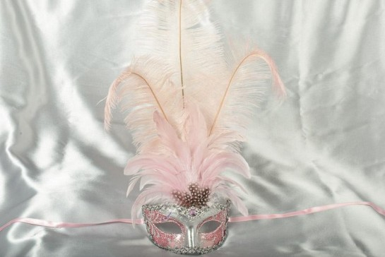 Struzzo Lux Tall centre feathered masquerade mask in silver and pink
