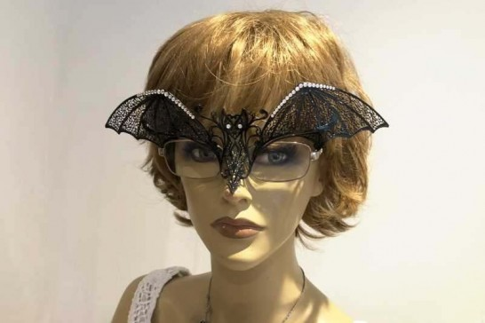 masquerade mask for glasses Pipistrello Strass attached to glasses frames on woman