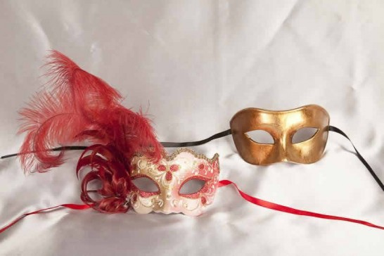 Red Colo Iris Gold - Couples Masks with Feathers