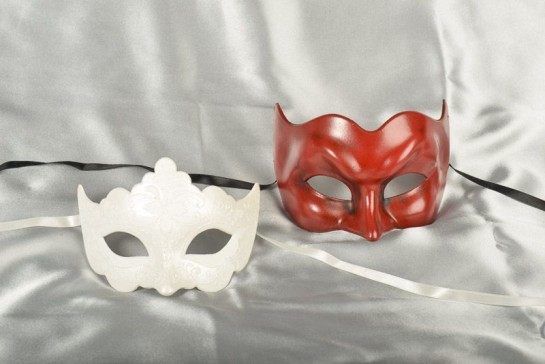 Couples masquerade masks - red joker and white giglio