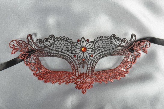 Red Lace Ball mask