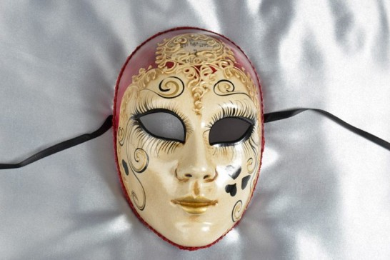 Red Volto Love Me - Full Face Carnival Mask with Heart Decor