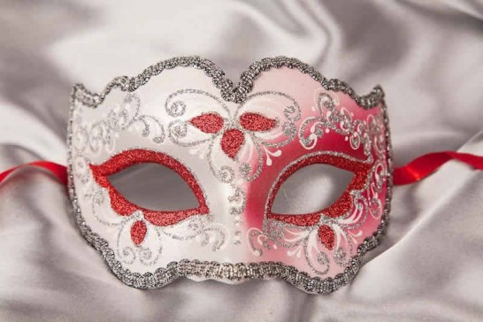 Iris mask in red