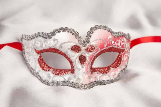Small masquerade mask Baby Silver in red