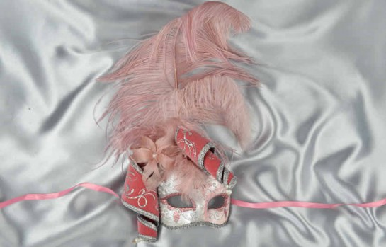 pink ladies feathered mask - Venezia Jolly