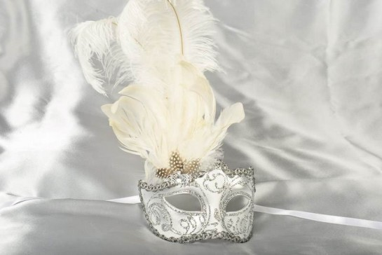 Iregular Lato - White and Silver Side Feathered Masks for Women