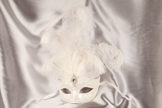White Struzzo Lux Plain - Ladies Mask with Centre Feathers