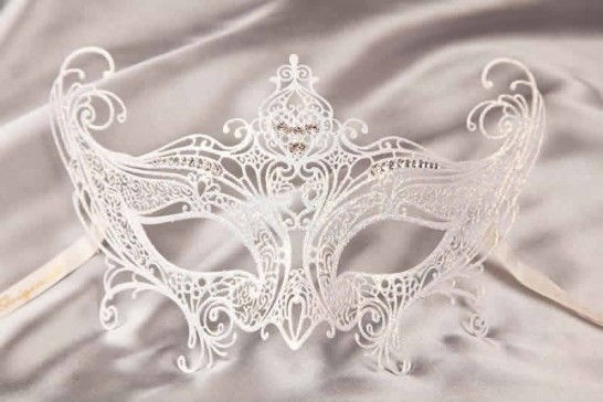 White Principessa - Luxury Lace Metal Venetian Masquerade Princess Masks