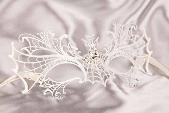 White Ragnatela Lux - Luxury Lace Metal Spiders Web Mask