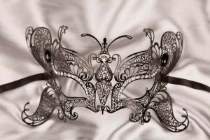 lace metal butterfly mask in black