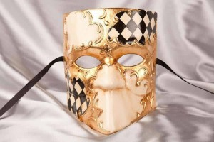 masquerade ball mask Bauta Scacchi black
