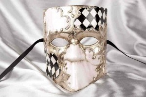 Mans Masquerade Mask - Bauta in black and silver diamond pattern