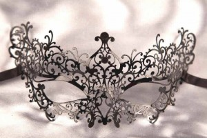 laser cut metal masquerade mask Ricciolina in black